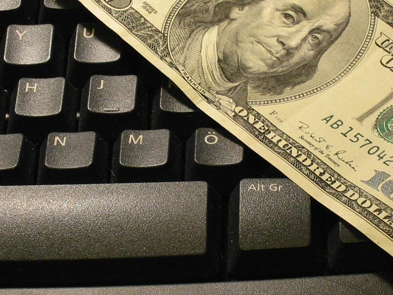 Is there a foolproof way to earn money online?
